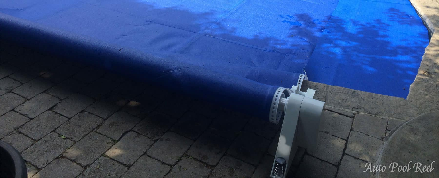 Automatic Pool Cover close up view